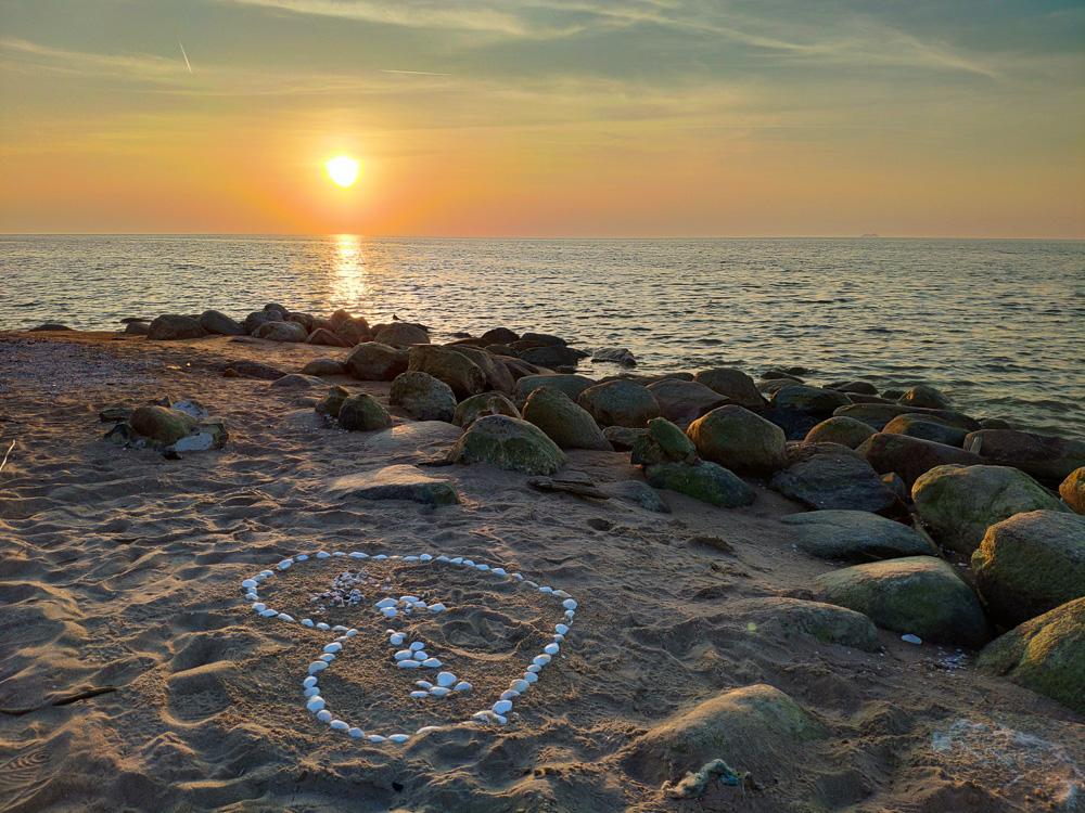 Am Kap Kolka in Lettland kann man sowohl Sonnenaufgänge und Sonnenuntergänge erleben. Wir fanden den Sonnenuntergang besonders romantisch.