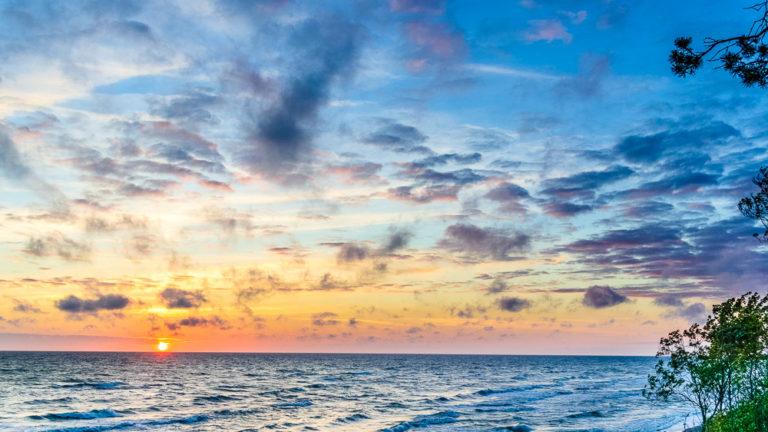 Sonnenuntergang über der Ostsee bei Karkle