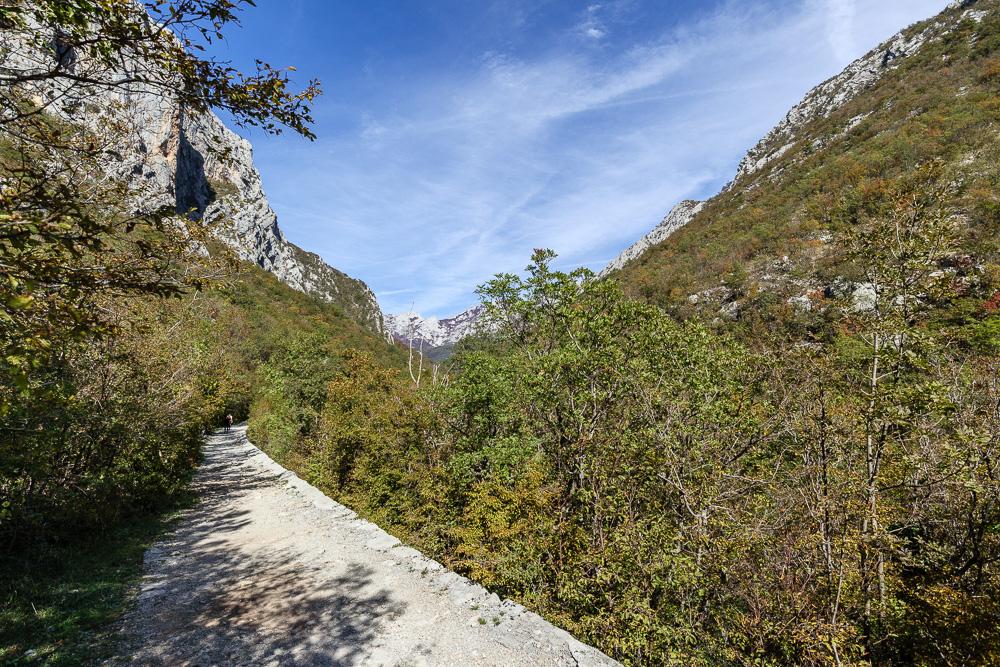 Gut ausgebauter Wanderweg im Nationalpark Paklenica