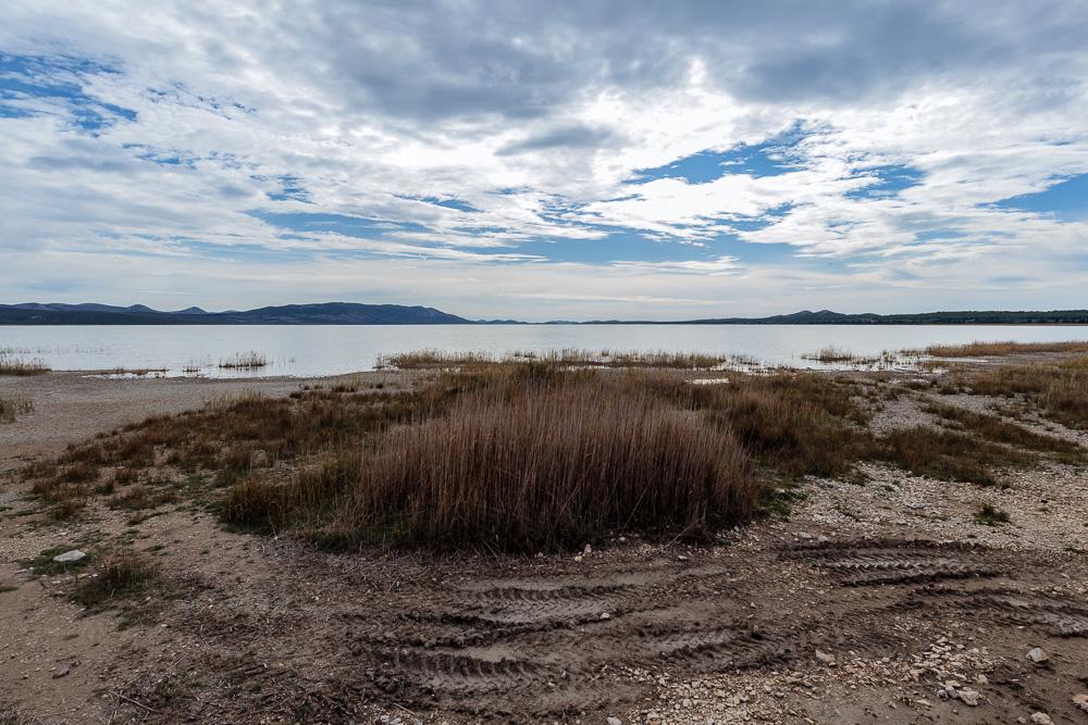 Der erste Eindruck vom Vransko jezero am sumpfigen Nordufer