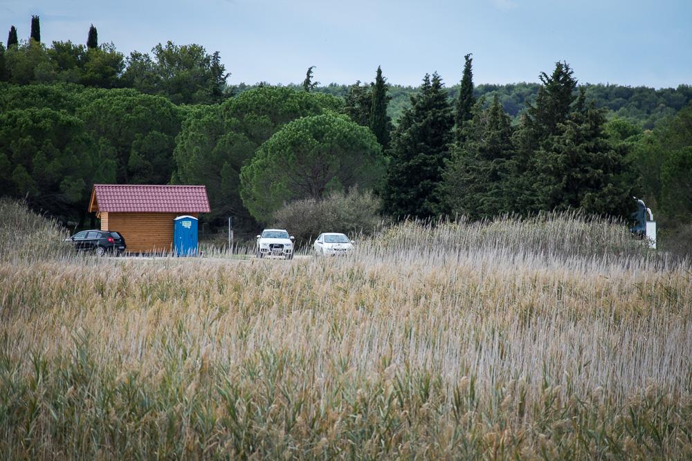 Besucherzentrum und Parkplatz am nördlichen Infocenter Crkvine im Naturpark Vransko jezero