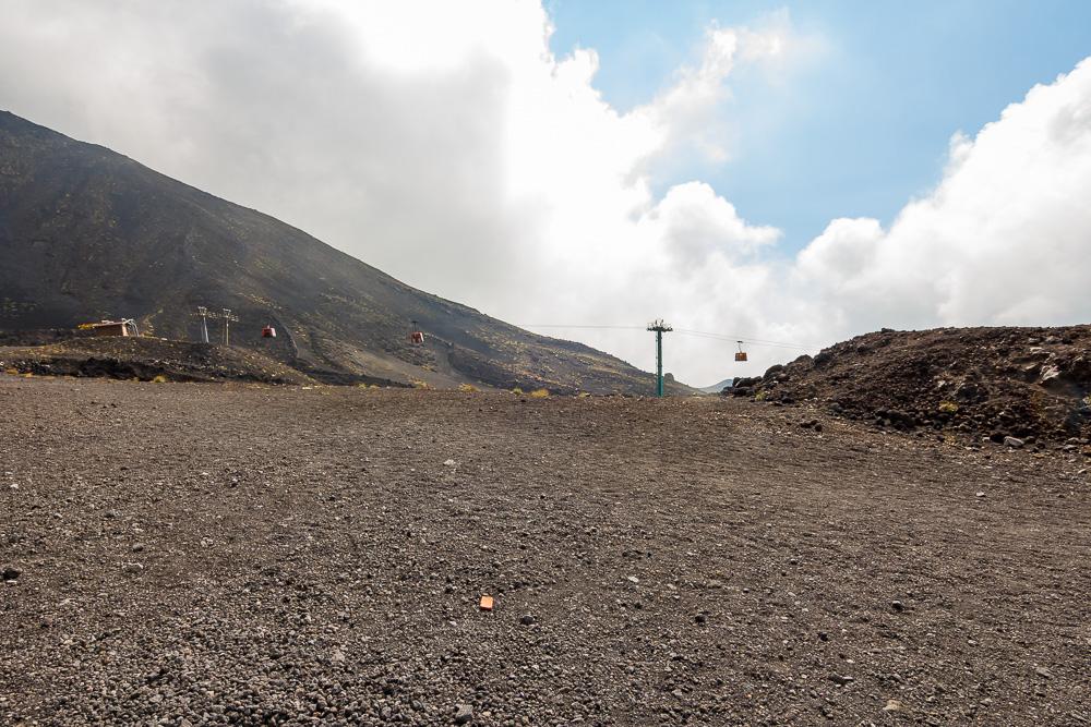 Kurz vor der Bergstation der Seilbahn am Ätna
