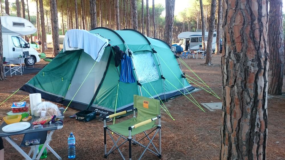 Unser Camp am Abend auf dem Platz Thurium