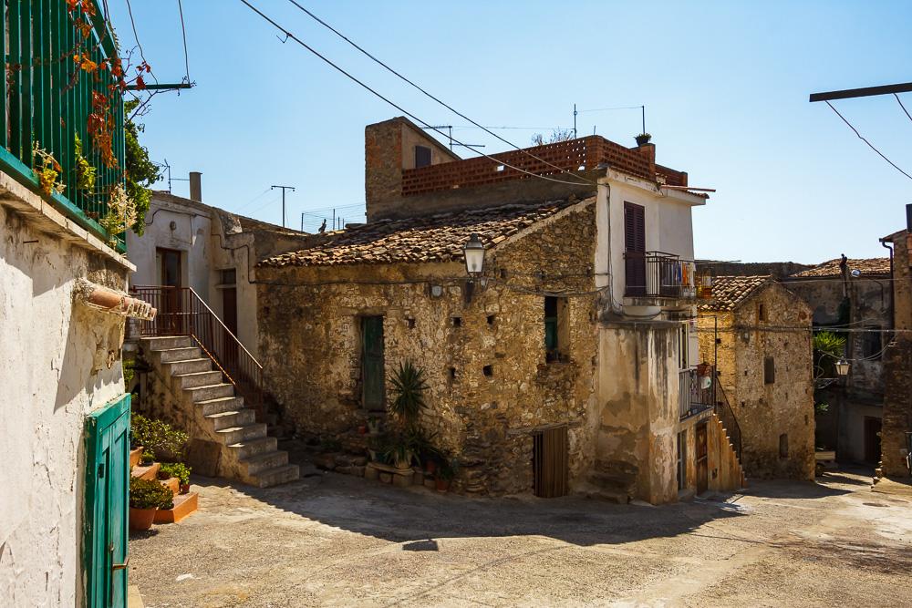 Häuserzeile in der Altstadt von Amendolara